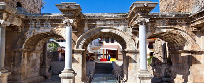 افزایش 17درصدی ورود گردشگران به آنتالیا